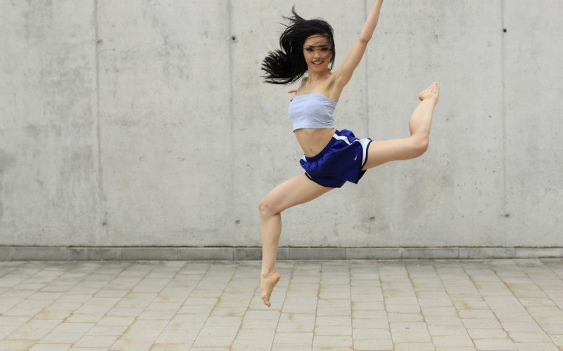 Yuri Crimson Yoshimura jumps (c) Magdalena Schauer