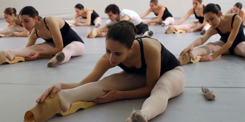 (c) Ballet Foot Strech