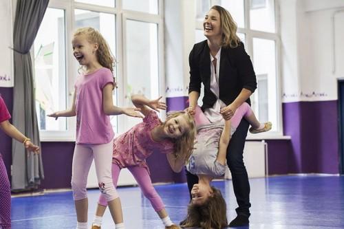 Betty Persch mit Kindern (c) Vanessa Hartmann
