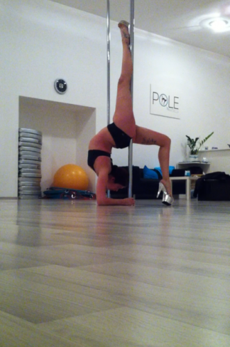 Pole Handstand